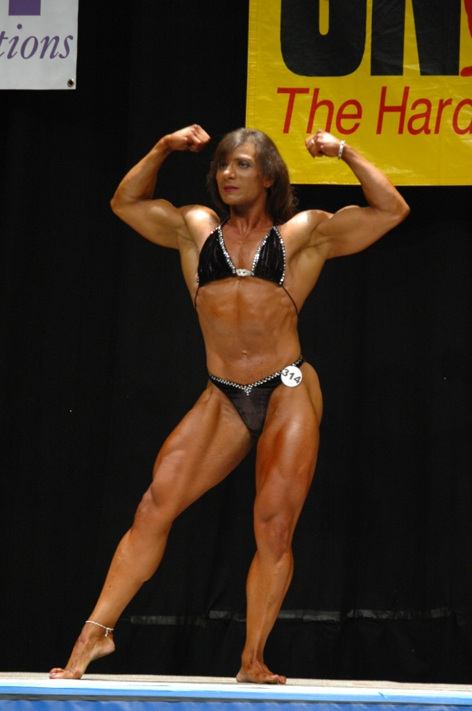 TINA ZAMPA | National Level Bodybuilder | Free Gallery